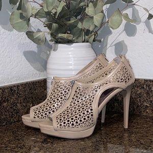 Carlos Santana Heels size 9
